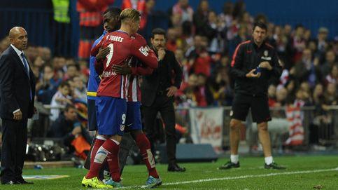 Simeone consolida a Jackson y provoca un largo retraso en el gol 100 de Torres