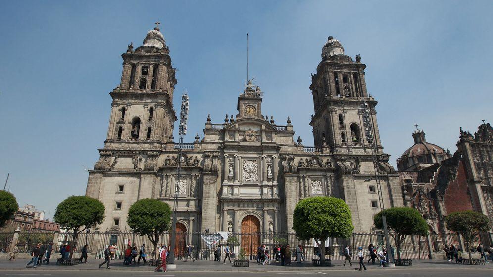 Foto: La Catedral Metropolitana, en Ciudad de México, debajo de la cual se encontraron las primeras ruinas (EFE/Mario Guzmán)