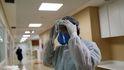 Primera condena a una Administración por no facilitar protección a los sanitarios