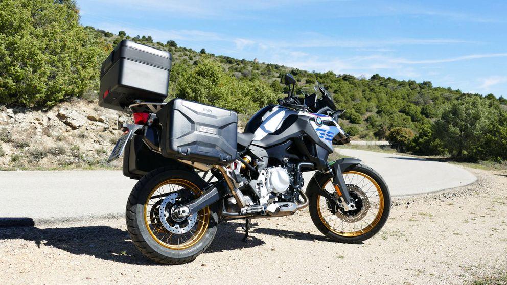 Por qué la generosa potencia de la nueva moto trail de BMW es ideal para aventureros