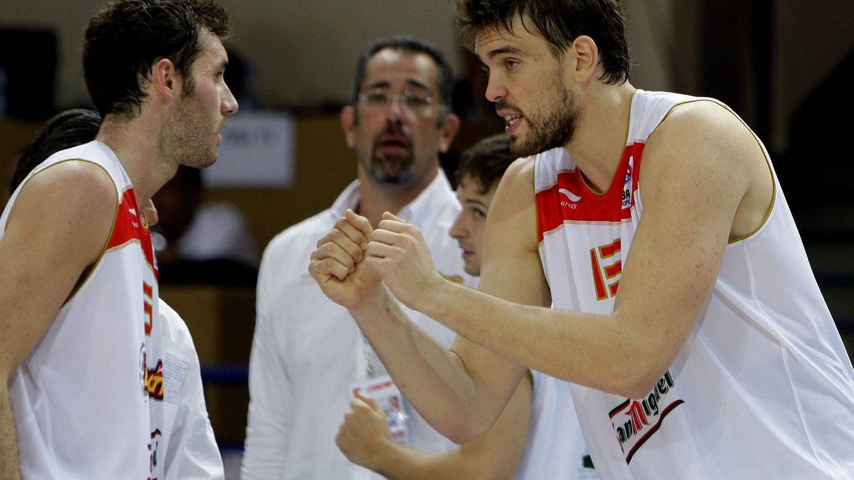 Marc Gasol y Rudy, en el Eurobasket de 2009. (EFE)