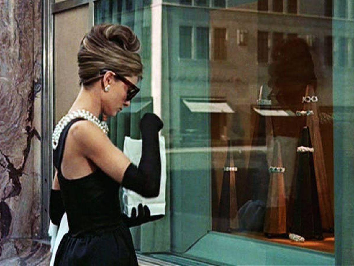 Foto: Audrey Hepburn, teniendo un día rojo en 'Desayuno con diamantes'.