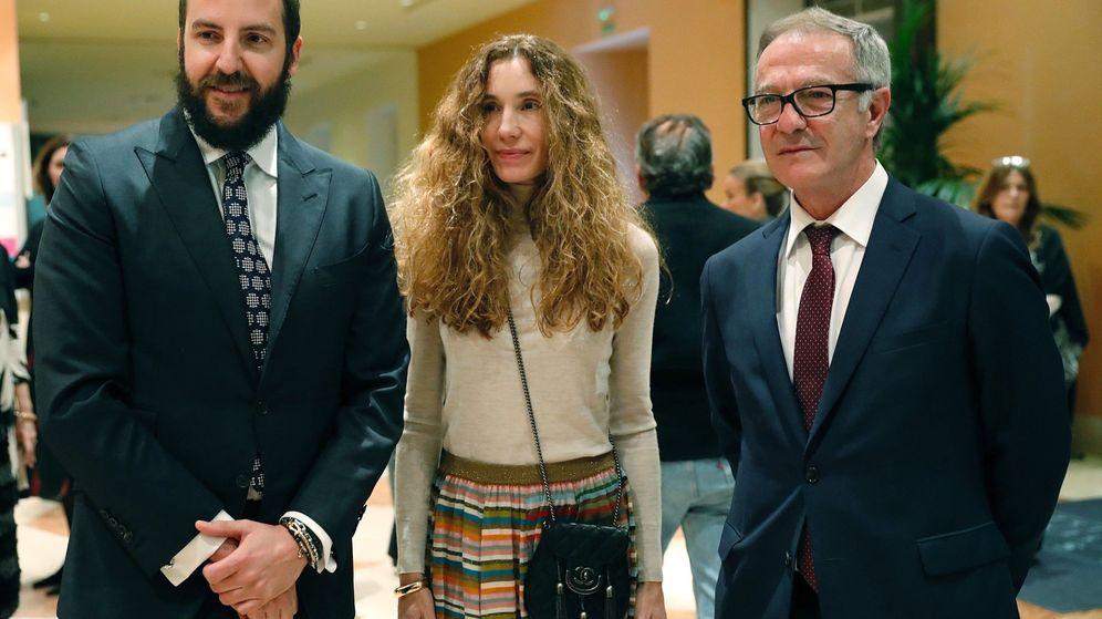 Foto: El ministro de Cultura, José Guirao (d), junto al empresario Borja Thyssen (i) y su mujer Blanca Cuesta. (EFE)