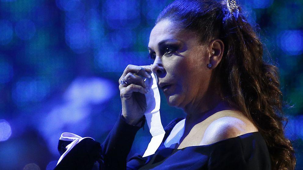 Isabel Pantoja, muy preocupada: ingresada su madre de urgencia