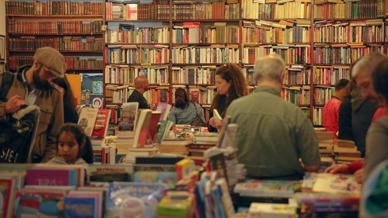 Foto: Es difícil elegir entre más de 90.000 títulos al año (EFE)