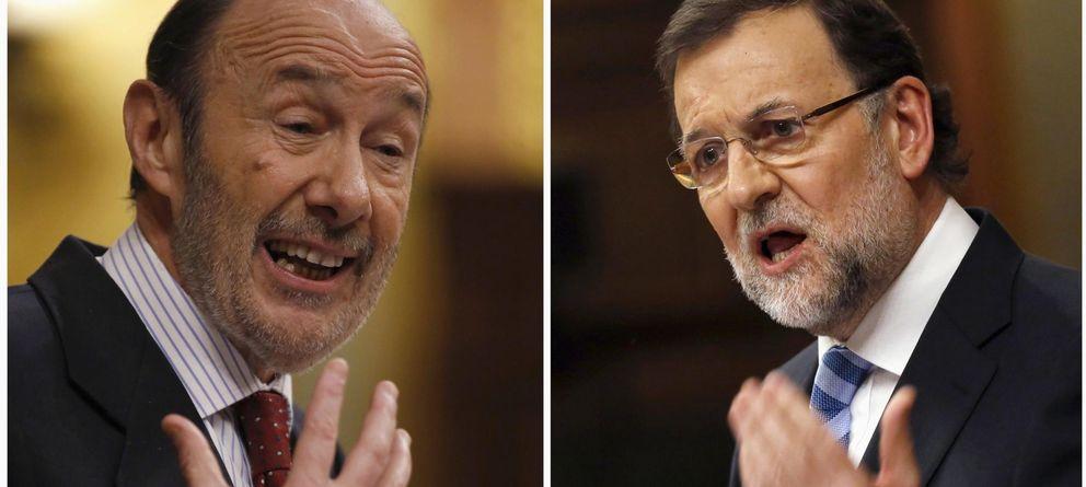 Foto: El presidente del Gobierno, Mariano Rajoy (d), y el secretario general del PSOE, Alfredo Pérez Rubalcaba  (Reuters)