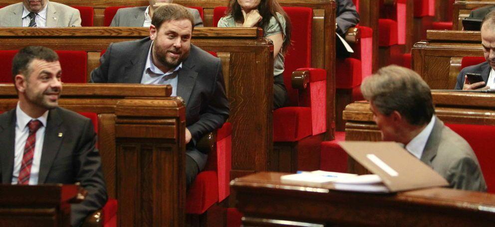 El presidente del grupo parlamentario de ERC, Oriol Junqueras (i). (EFE)