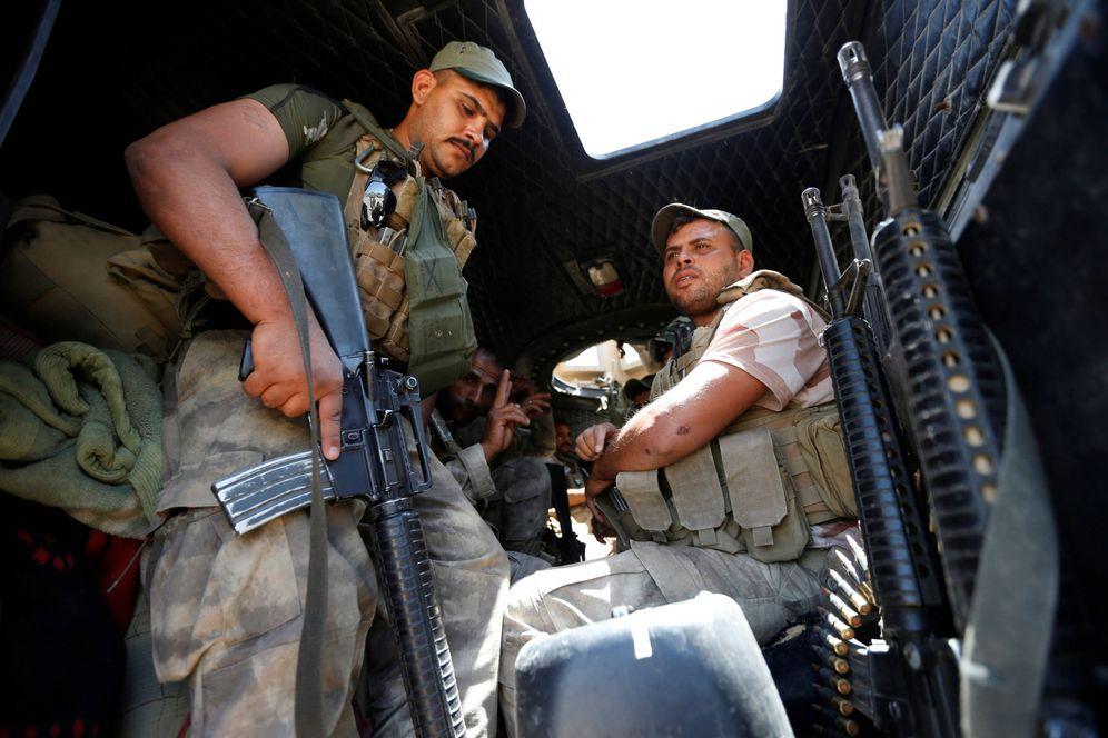 Foto: Soldados iraquíes se preparan para entrar en Faluya durante la ofensiva contra el ISIS, el 14 de junio de 2016 (Reuters).