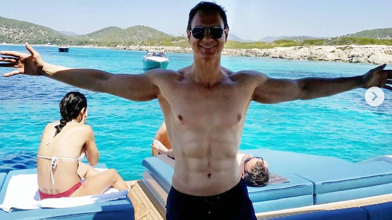 Javier Cárdenas responde ante su última polémica: ¿Son operados sus abdominales?