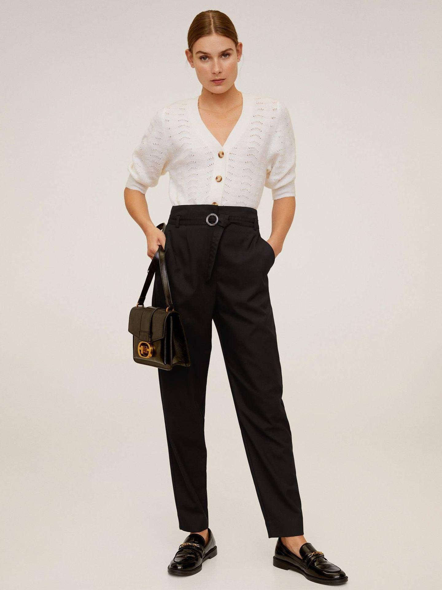 Pantalones estilizadores y asequibles de Mango Outlet. (Cortesía)