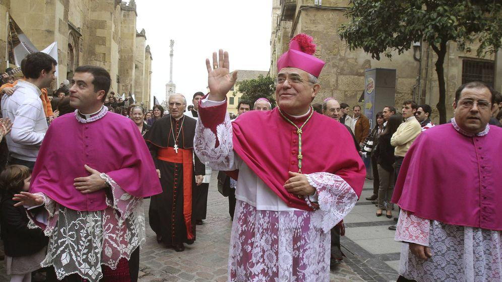 Foto: El obispo de Córdoba, Demetrio Fernández, el día de su toma de posesión. (EFE)