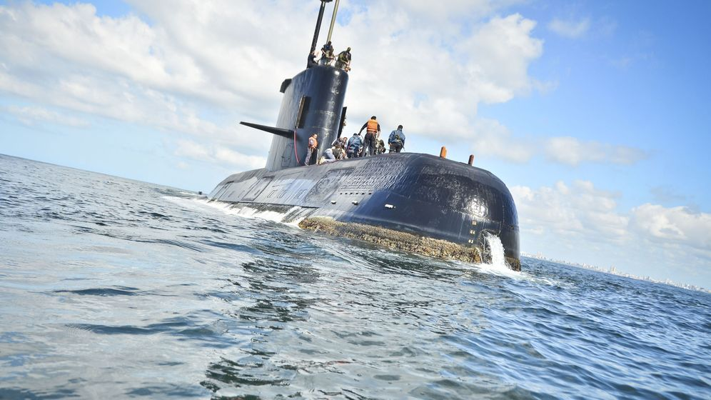 Foto: Fotografía sin fecha cedida por la Armada Argentina que muestra el submarino de la Armada desaparecido. (EFE)