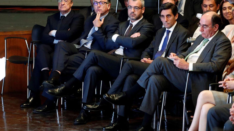 De izquierda a derecha: Florentino Pérez, Luis Gallego, José María Álvarez-Pallete y José Ignacio Sánchez Galán. (EFE)