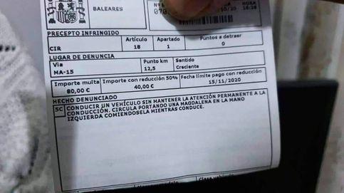 La DGT multa a un conductor por comer una magdalena mientras iba al volante