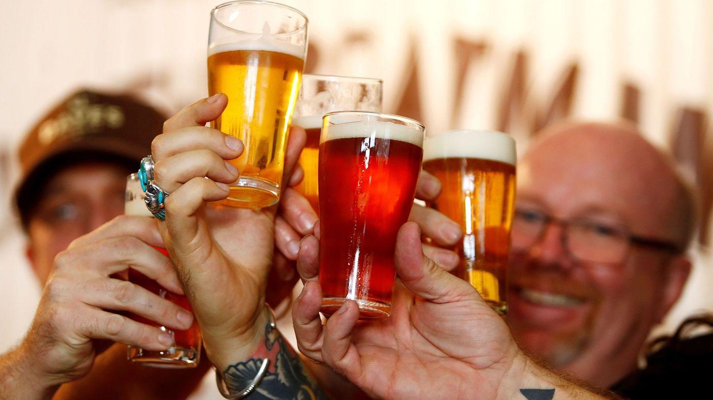 El récord de turistas ayudó al sector cervecero en 2018. (EFE)