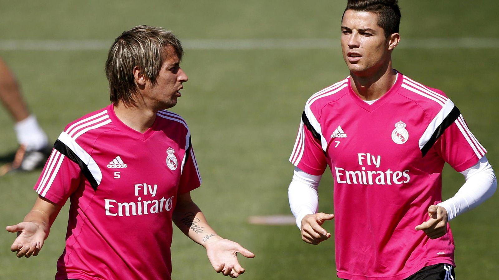 Foto: Fabio Coentrao junto a Cristiano Ronaldo, en un entrenamiento del Real Madrid el pasado septiembre. (EFE)