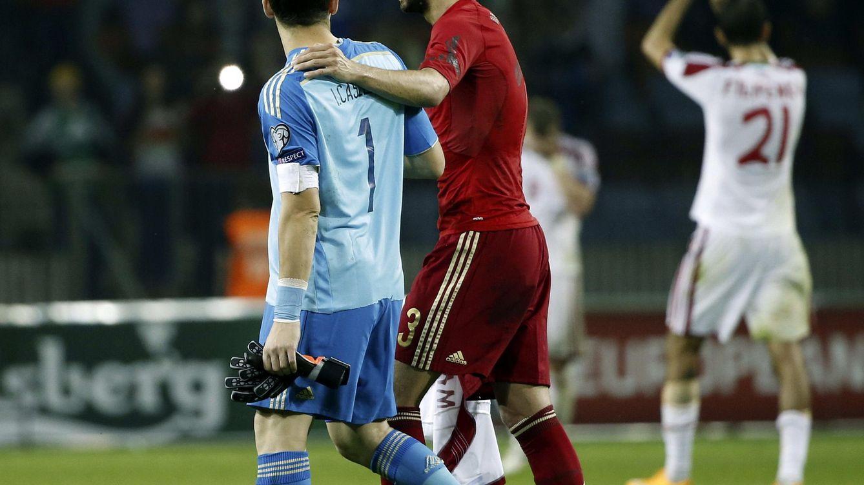 Iker Casillas: Si Piqué juega con la selección española es porque él quiere
