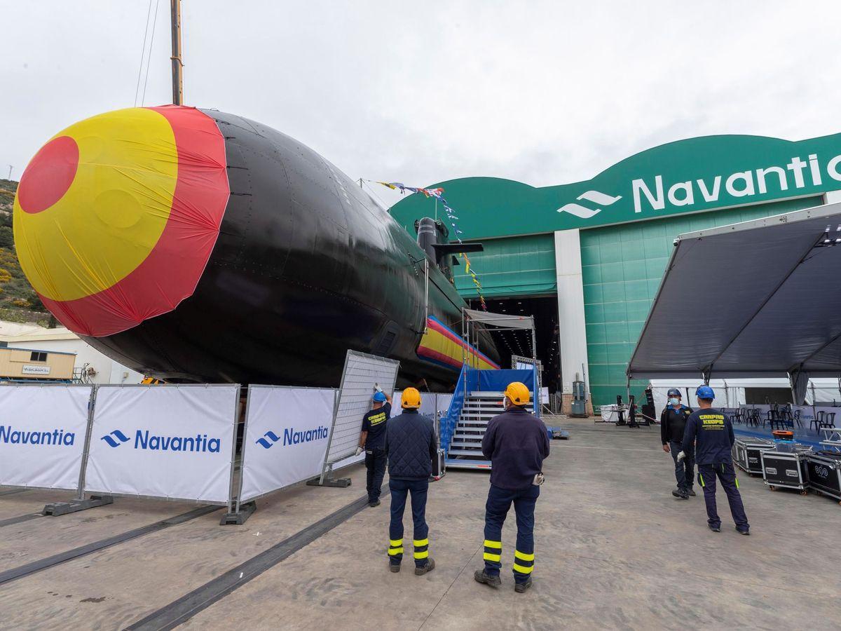 Foto: Botadura de un submarino en Navantia. (EFE)