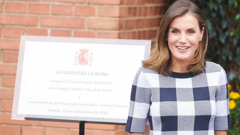 La reina Letizia vuelve a Asturias cuatro días después y estrena pendientes de 1.500 euros