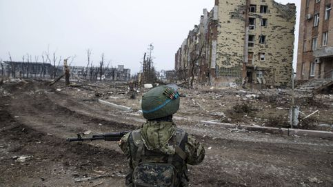 Ultras de izquierda y derecha se unen para combatir por los prorrusos en Ucrania