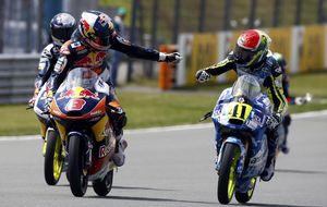 Miller lidera durante toda la carrera y Álex Márquez cae al cuarto lugar