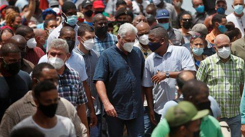 Miles de cubanos toman las calles al grito de libertad y Díaz-Canel llama al combate