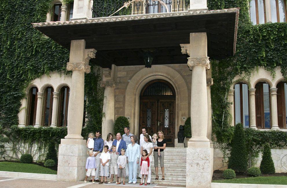 Foto: La Familia Real en el Palacio de Marivent en el año 2007 (Gtres)