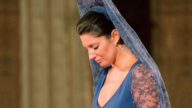 Carmina en la boda de su hijo Francisco con Eugenia Martínez de Irujo.(EFE)