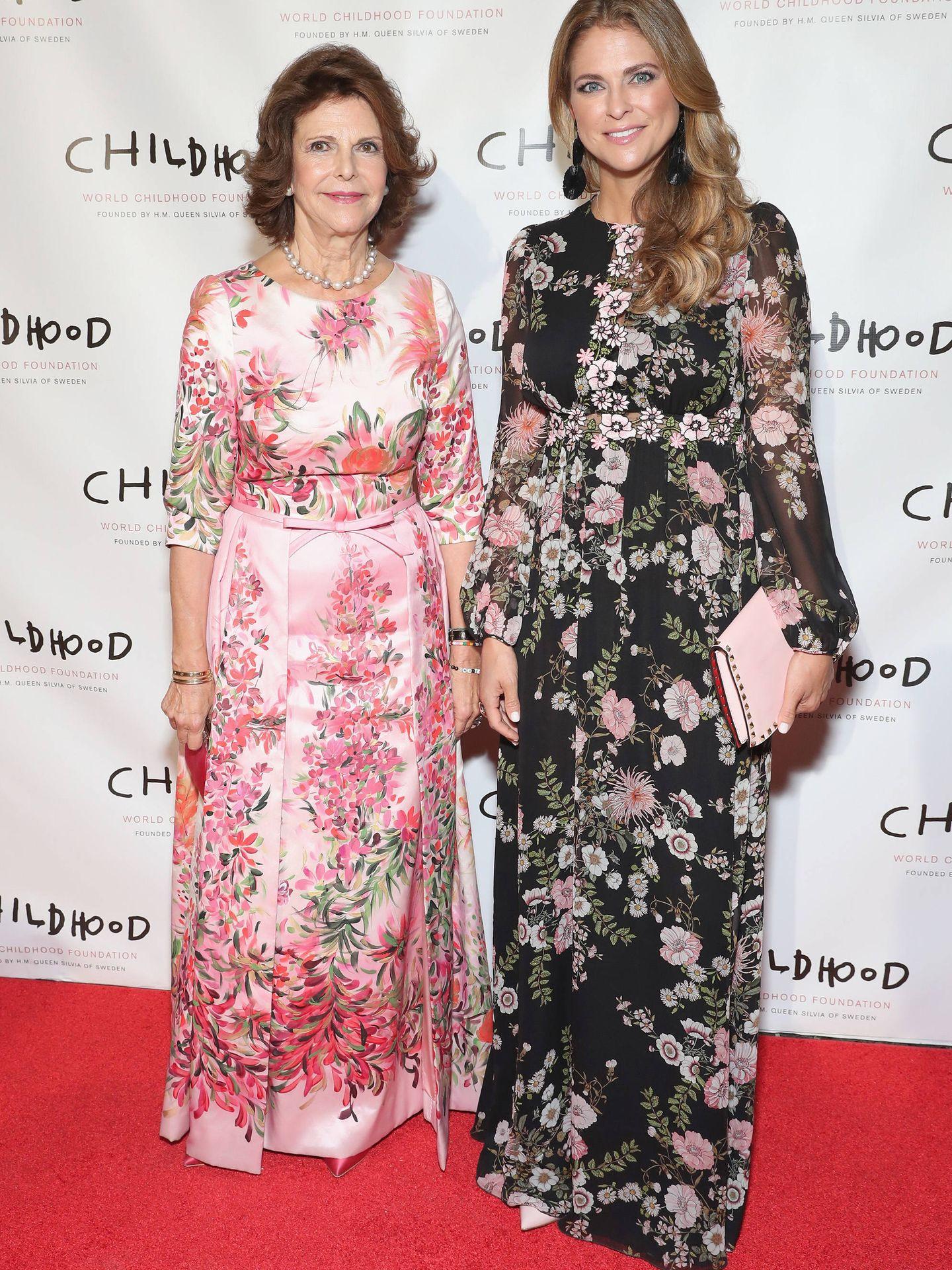 La reina Silvia y la princesa Magdalena, en una gala benéfica. (Getty)