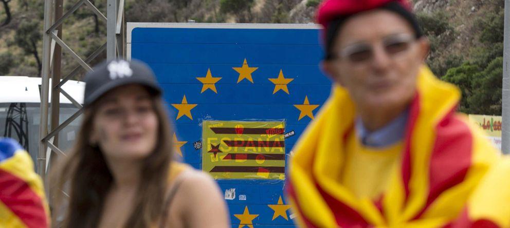 Foto: Cadena humana por la independencia organizada por la ACN en coincidencia con la Diada. (EFE)