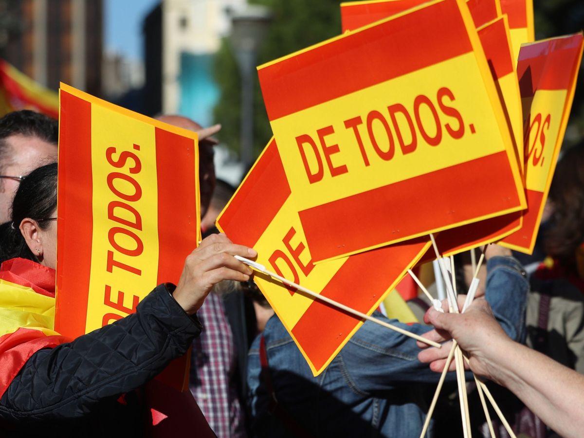 Foto: Manifestación para reivindicar la unidad de España y la Constitución en octubre de 2017. (EFE)