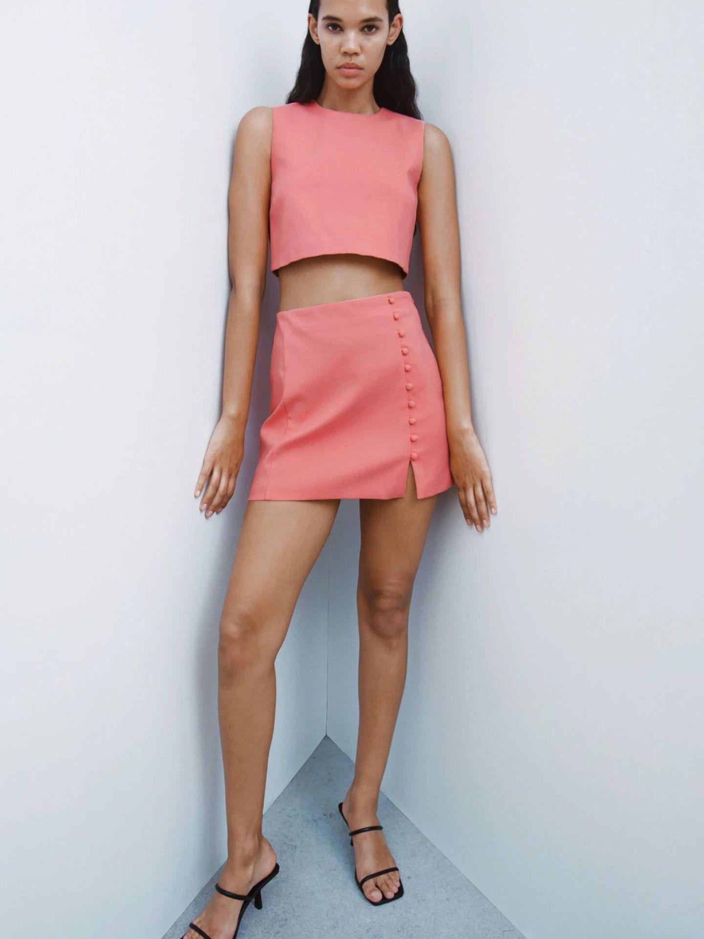 Conjunto de top y falda de las novedades de Zara. (Cortesía)