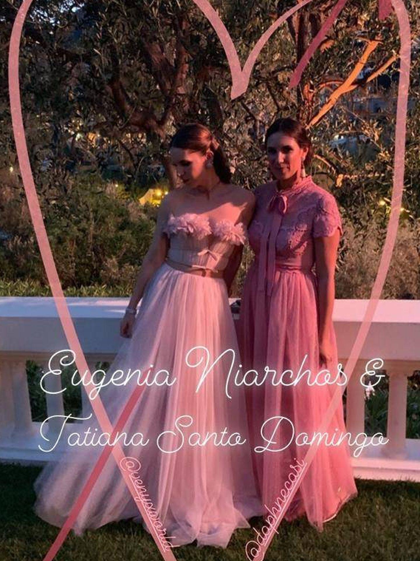 Tatiana Santo Domingo y Eugenie Niarchos cual princesas en la fiesta de la boda de Carlota Casiraghi y Dimitri Rassam. (Instagram)