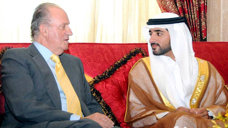 Don Juan Carlos I, con el príncipe heredero Hamdan bin Mohammed bin Rashid Al-Maktoum en Dubái. (EFE)