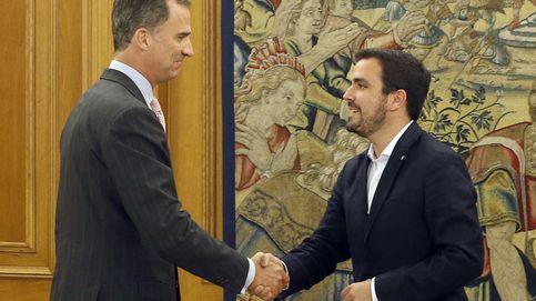 Garzón invita al PSOE a que deje su partida de póquer y ensaye una alternativa