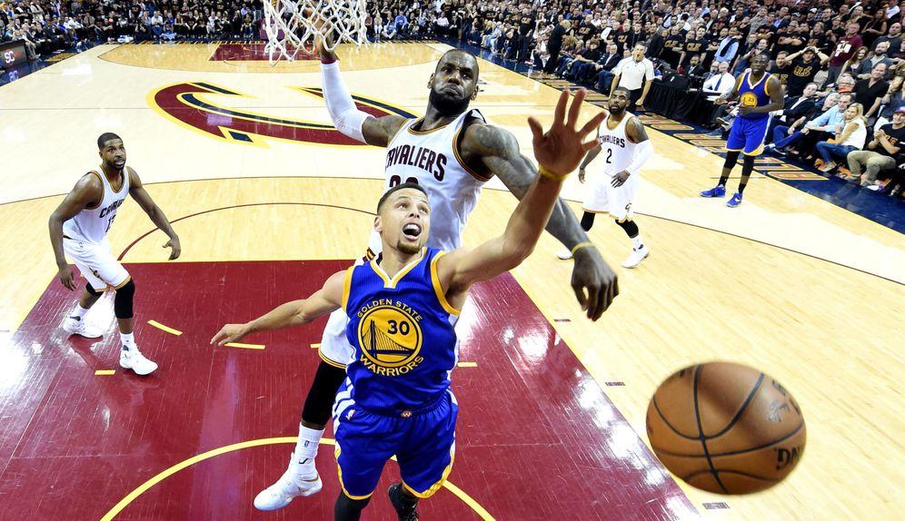 Foto: Curry y LeBron se juegan el trono de la NBA (Bob Donnan/USA TODAY Sports)