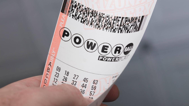 Gana la lotería tras estar convencido de que su combinación de números le haría millonario