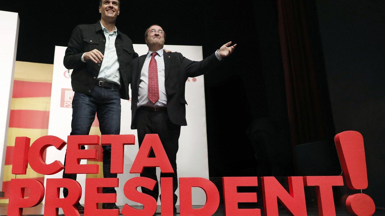 Miquel Iceta (d), acompañado del secretario general del PSOE, Pedro Sánchez. (EFE)