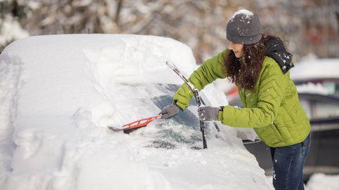Los mejores consejos para quitar el hielo de tu coche y de la entrada a tu casa