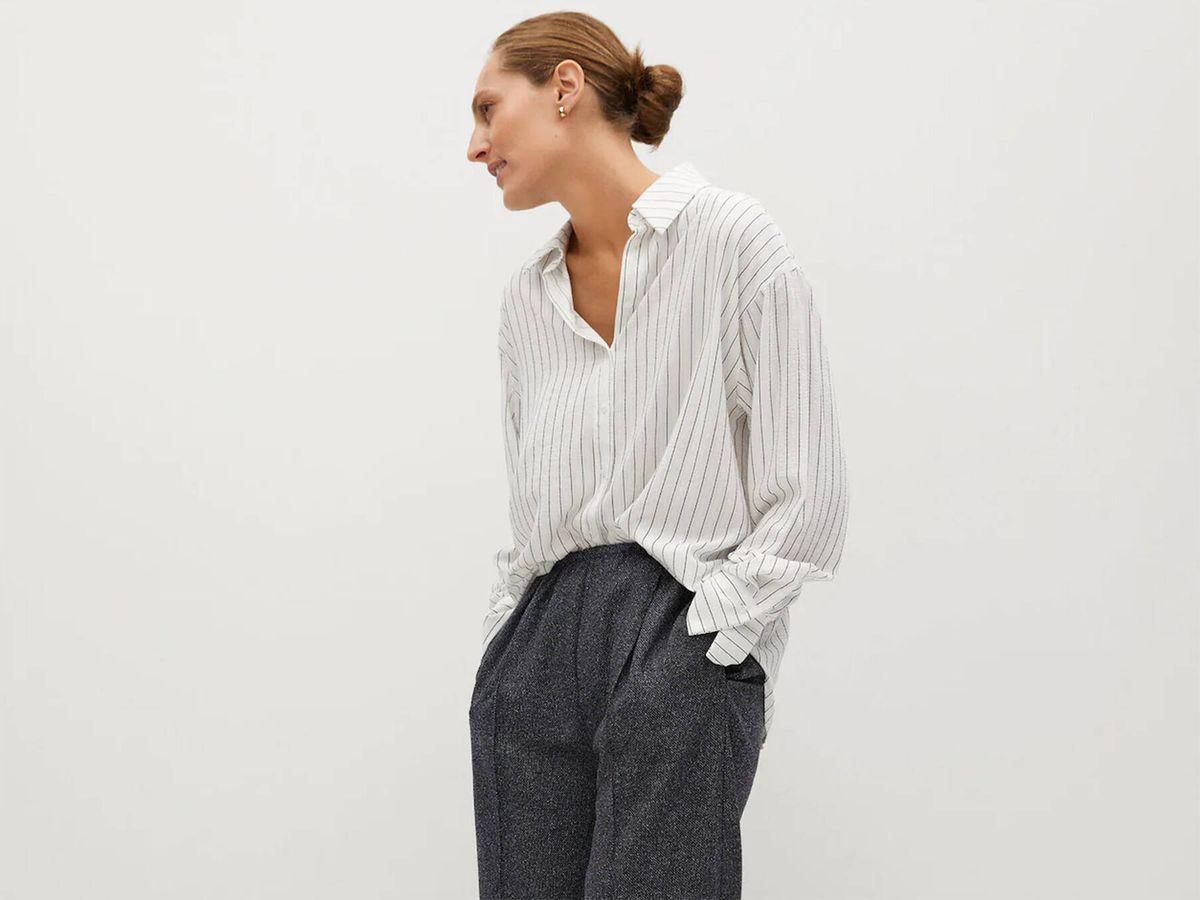 Foto: Mango Outlet vende un pantalón de vestir ideal para ir al trabajo y absolutamente cómodo. (Cortesía)