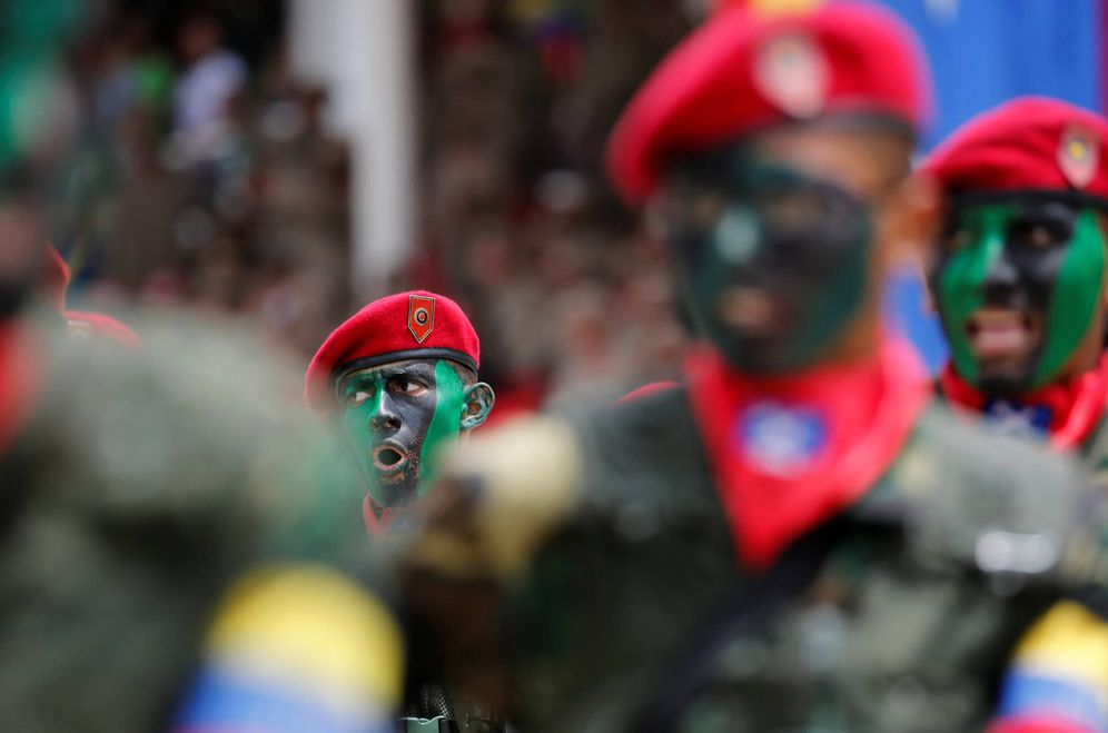 Foto: Soldados venezolanos con pinturas de camuflaje marchan durante un desfile para celebrar el 205º aniversario de la independencia, el 5 de julio de 2016. (Reuters)