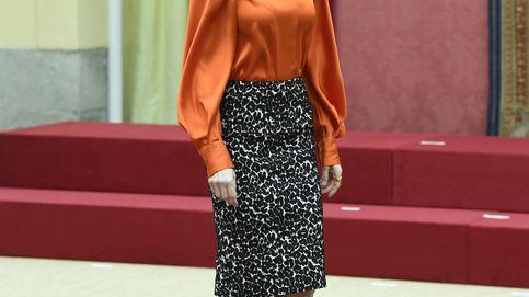 La reina Letizia apoya la marca España con esta blusa de Zara que lo tiene todo
