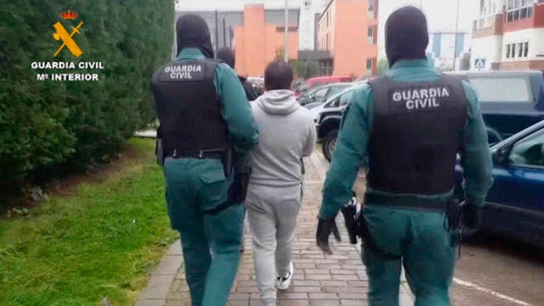Los detenidos habrían estafado más de 350.000 euros (Guardia Civil)