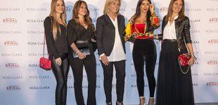 Post de Las mujeres del Barça 'se visten' de novias por Rosa Clará