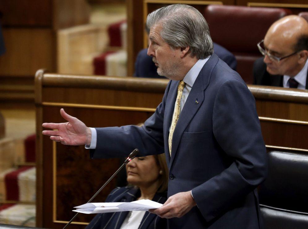 Foto: El ministro de Educación, Cultura y Deporte y portavoz del Gobierno, Íñigo Méndez de Vigo, este 5 de abril en el Congreso. (EFE)