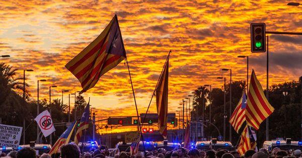 Llega el Huracà Econòmic, la plataforma que quiere hundir la economía española