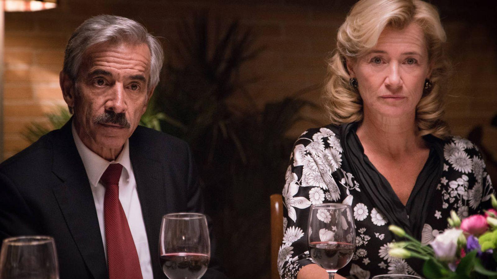 Foto: Antonio Alcántara y su mujer, Merche, en un capítulo de 'Cuéntame cómo pasó'. (RTVE)