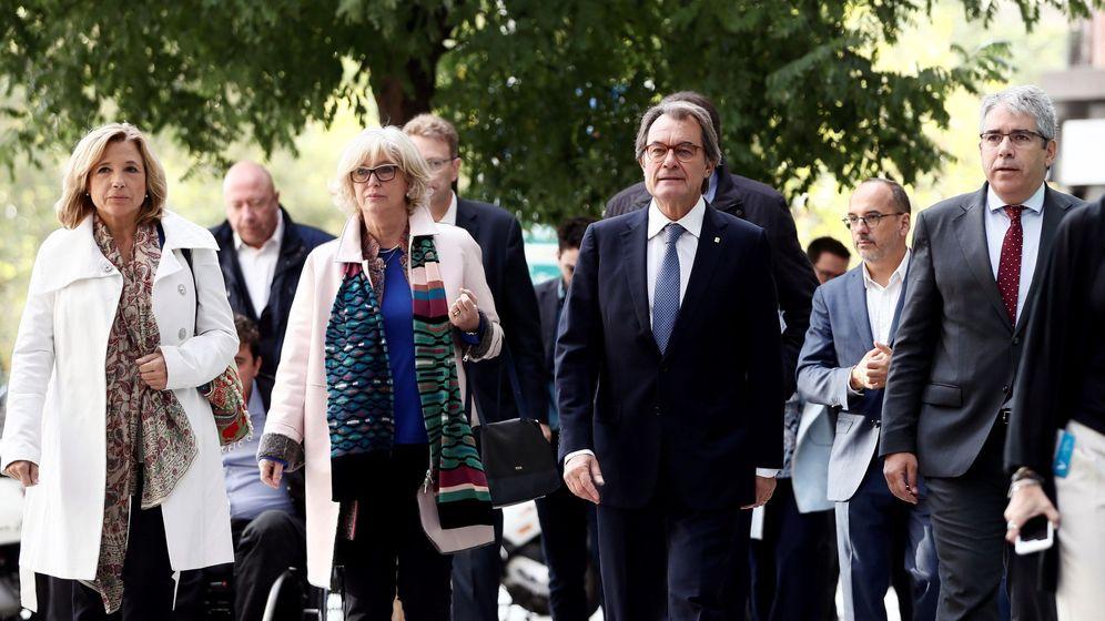 Foto: Los acusados a su entrada al Tribunal. (EFE)