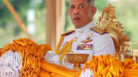 El rey de Tailandia da un giro de guion: ahora readmite en su harén a la consorte repudiada