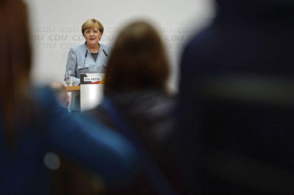 Foto: La canciller alemana y líder de la Unión Cristianodemócrata (CDU), Angela Merkel, en rueda de prensa en Berlín. (EFE)